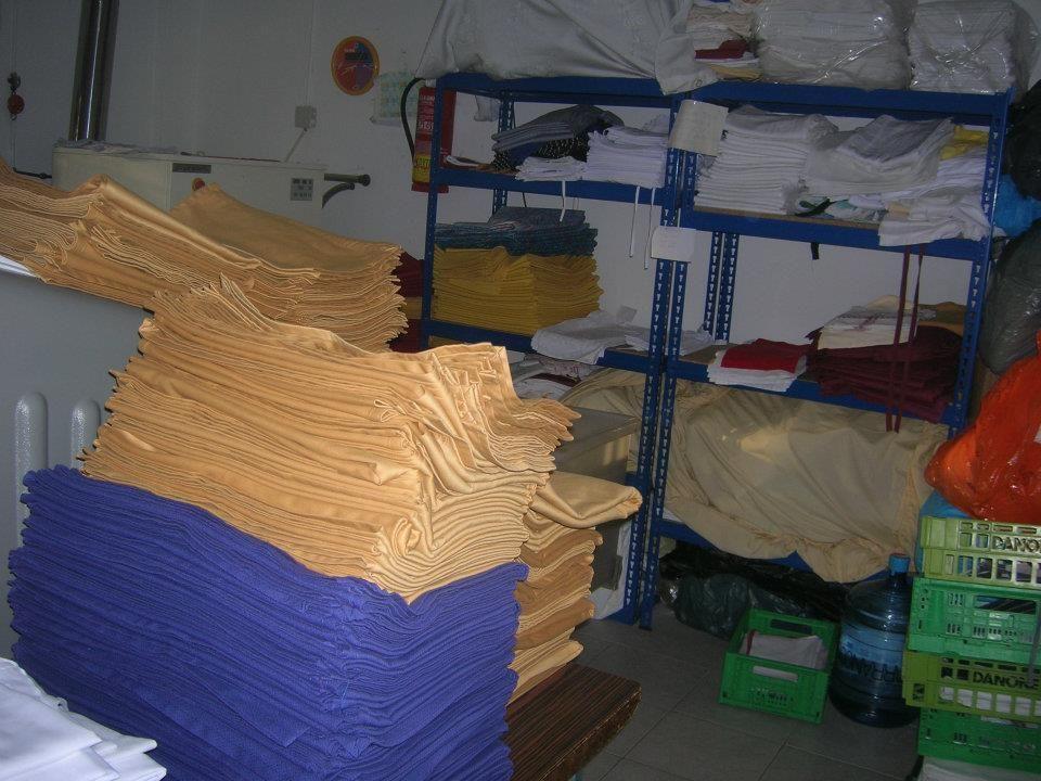 Limpiamos mantelería, toallas y sábanas o ropa de cama: Servicios de Lavandería Tintorería Lavylisto