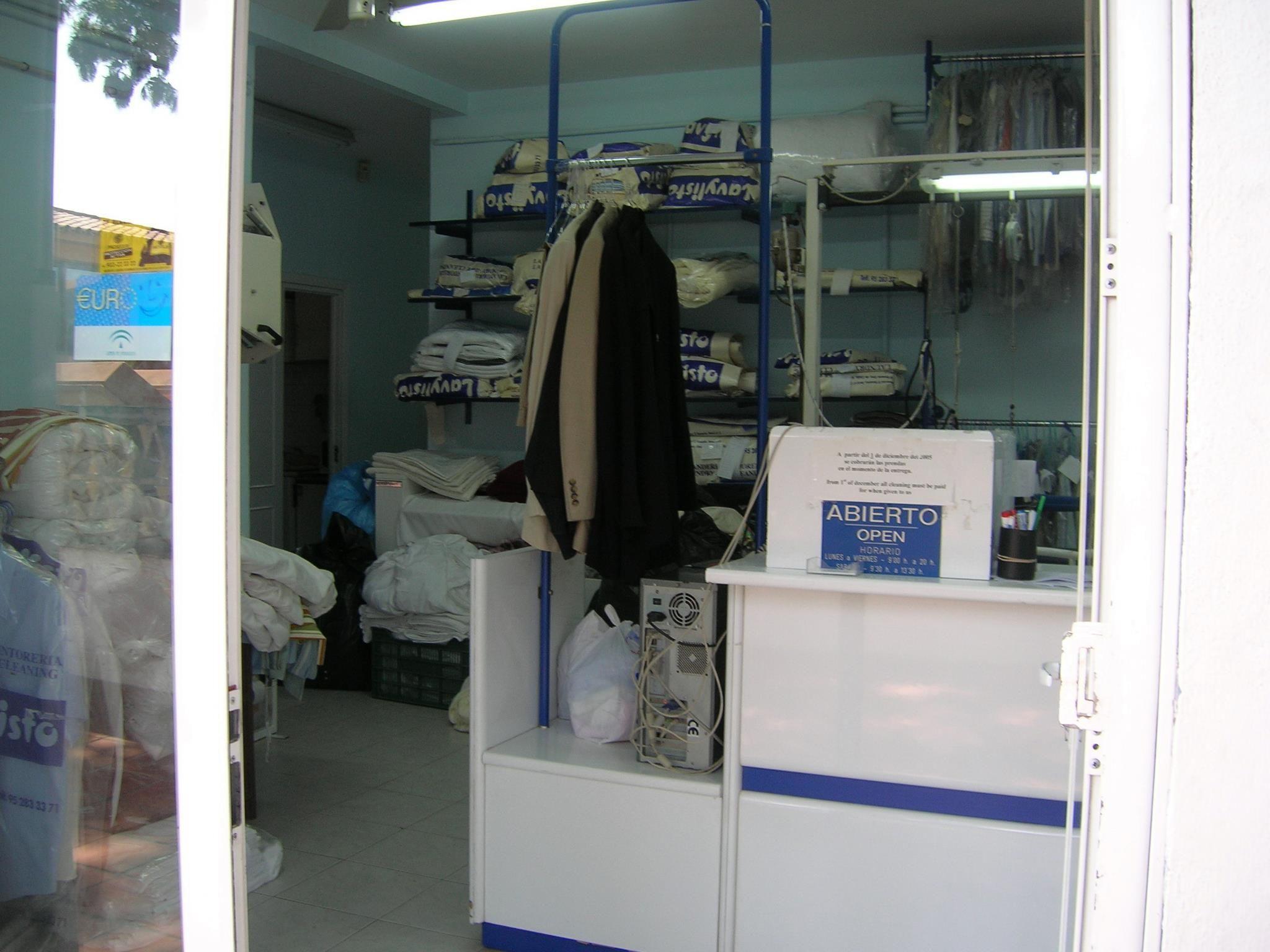 Foto 6 de Tintorerías y lavanderías en Marbella | Lavandería Tintorería Lavylisto