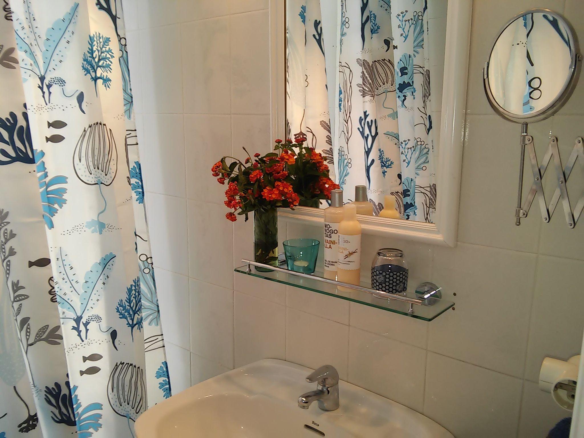 Baño con ducha Villa I