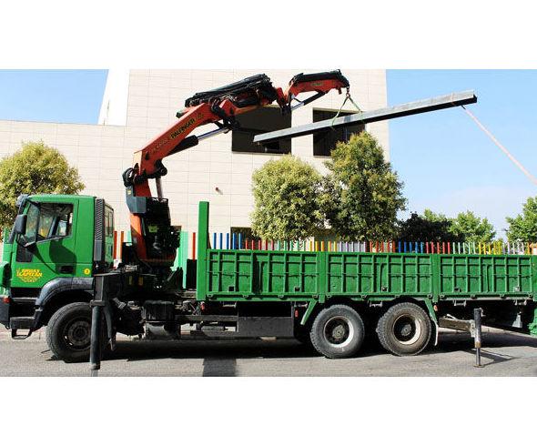 Camiones autocargantes: Servicios de GRÚAS CAPITÁN