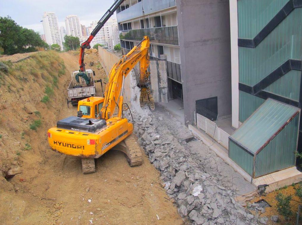 Demolición de muros