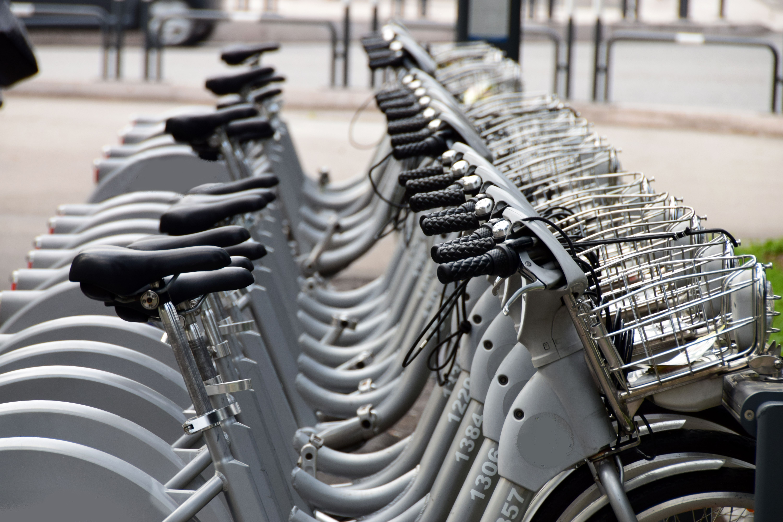 Alquiler de bicicletas y patinetes eléctricos