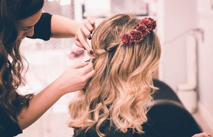 Ondas y corona de flores. Combinación perfecta