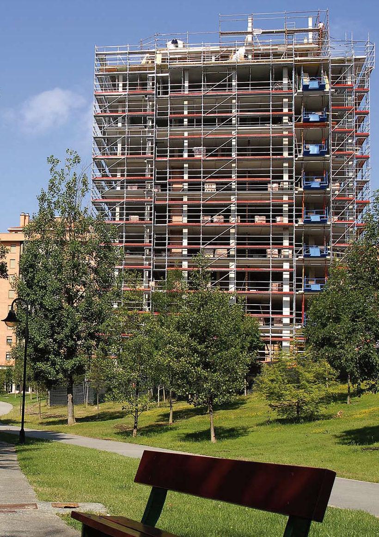 Montajes verticales de andamios en Navarra