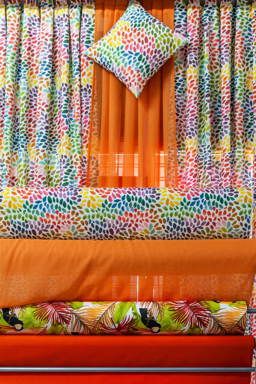 Conjunto cortinas + cojines 2 Orquídea Hogar