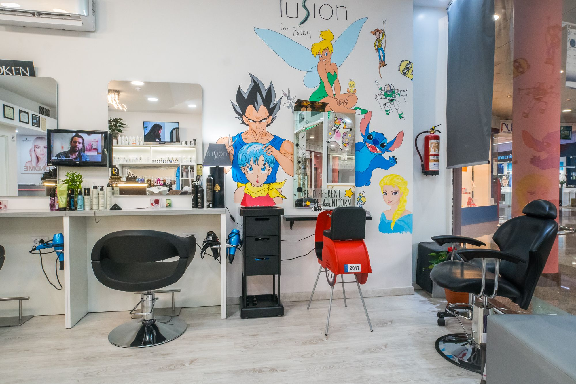 Foto 3 de Peluquería unisex con tratamientos capilares de excelente calidad en Maspalomas | Fusión Unisex Hairdressers
