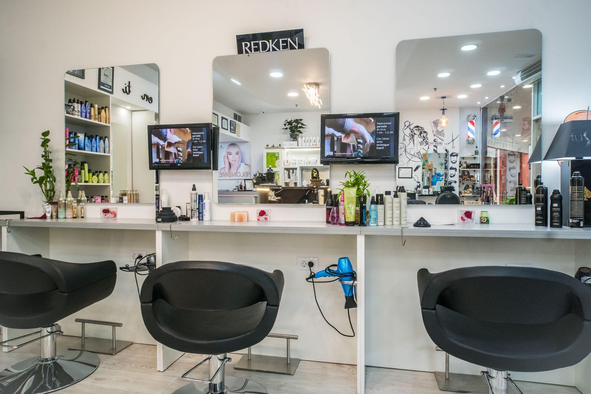 Foto 5 de Peluquería unisex con tratamientos capilares de excelente calidad en Maspalomas | Fusión Unisex Hairdressers