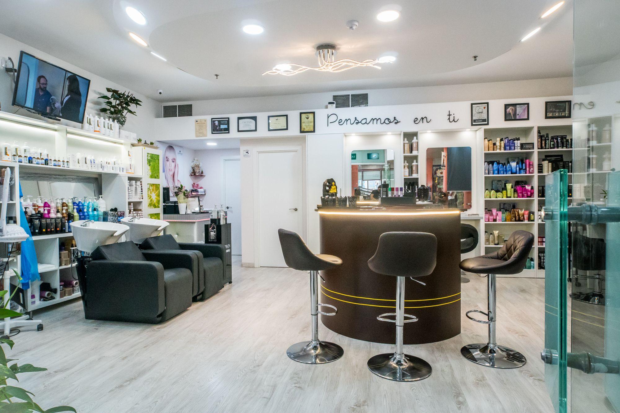 Foto 2 de Peluquería unisex con tratamientos capilares de excelente calidad en Maspalomas | Fusión Unisex Hairdressers