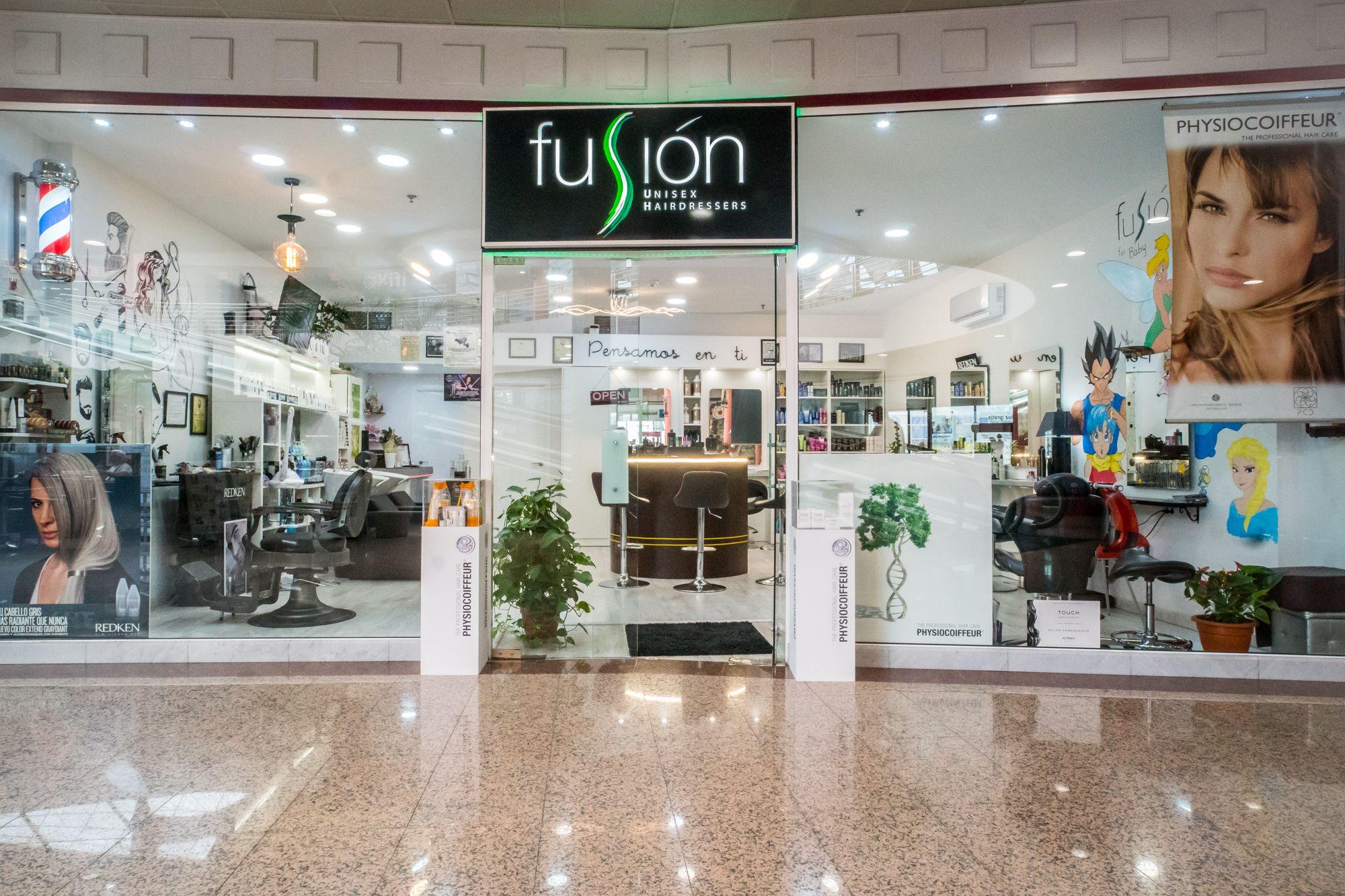 Foto 10 de Peluquería unisex con tratamientos capilares de excelente calidad en Maspalomas   Fusión Unisex Hairdressers