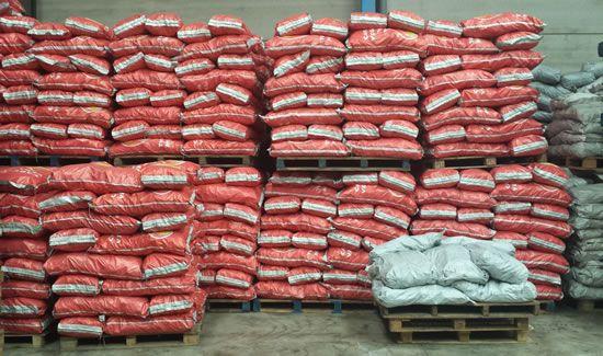 Distribuidores de carbón vegetal