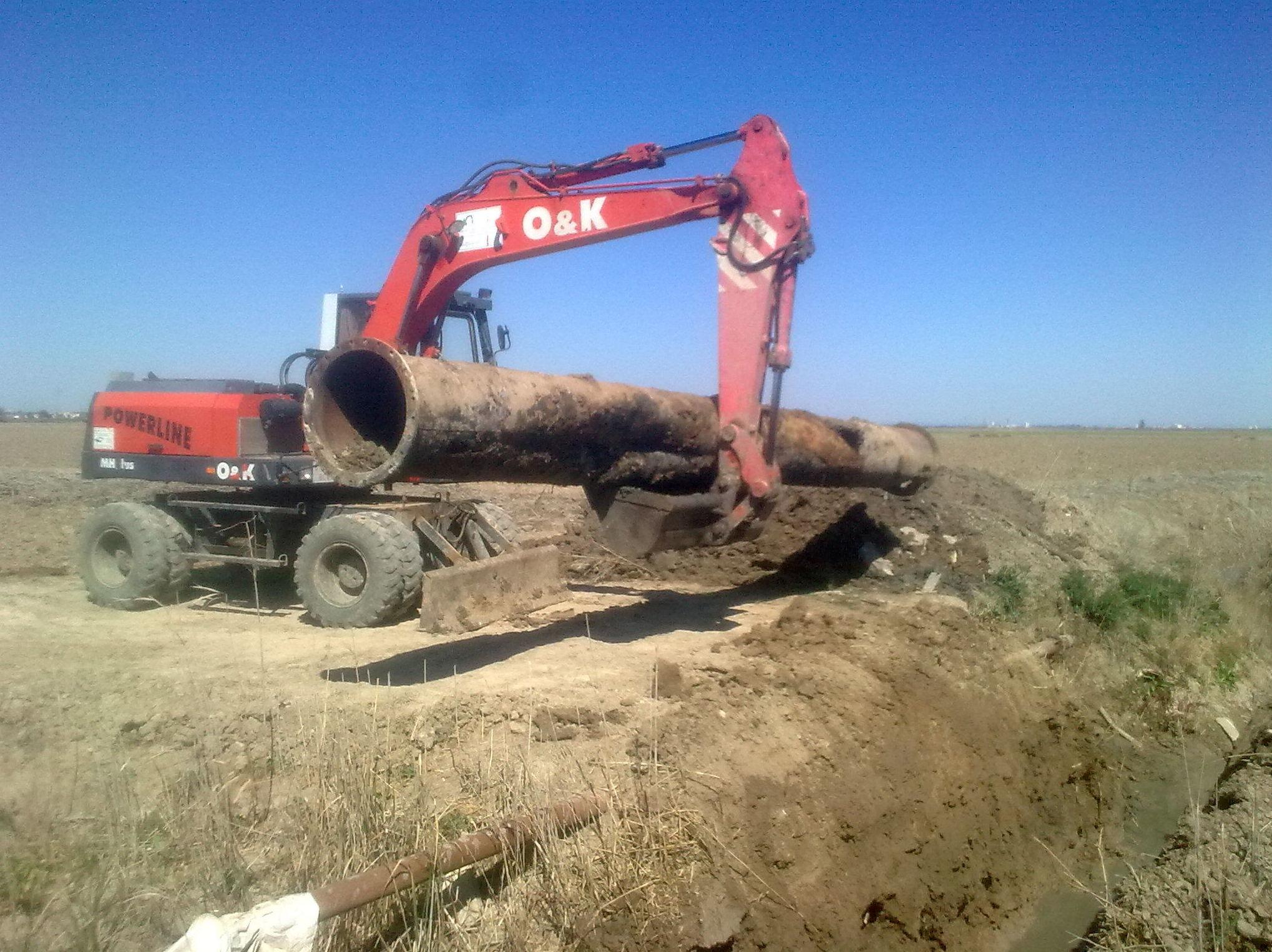 Foto 43 de Excavaciones y movimientos de tierra en Los Palacios y Villafranca | Hermanos Palacios Rincón