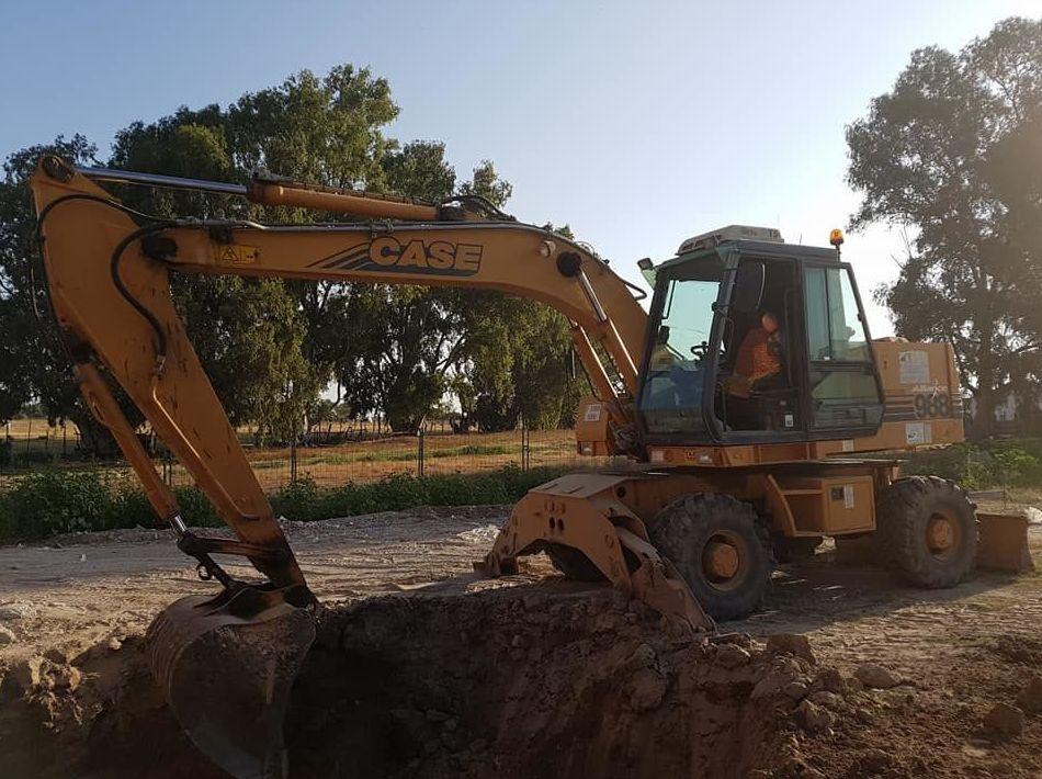Foto 7 de Excavaciones y movimientos de tierra en Los Palacios y Villafranca | Hermanos Palacios Rincón