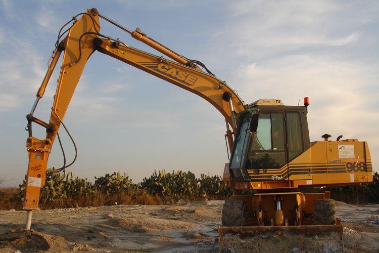 Trabajo con martillo hidráulico, para trabajos varios de derribo