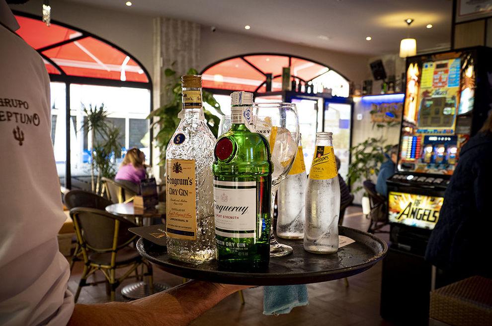 Foto 18 de Cafetería y discoteca en  | Café Pub Neptuno