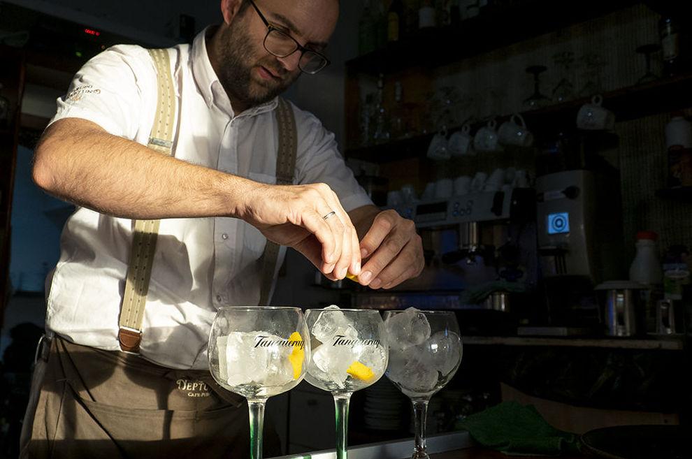 Foto 1 de Cafetería y discoteca en    Café Pub Neptuno