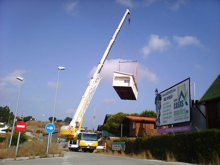 Grúas para el traslado de casas móviles en Málaga