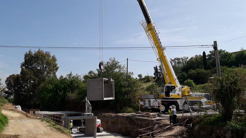 Grúas para trabajos de construcción en Málaga