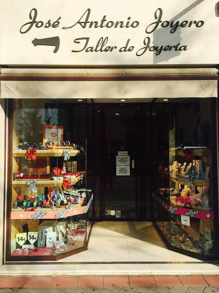 Otros artículos: Servicios y Productos de José Antonio Joyero