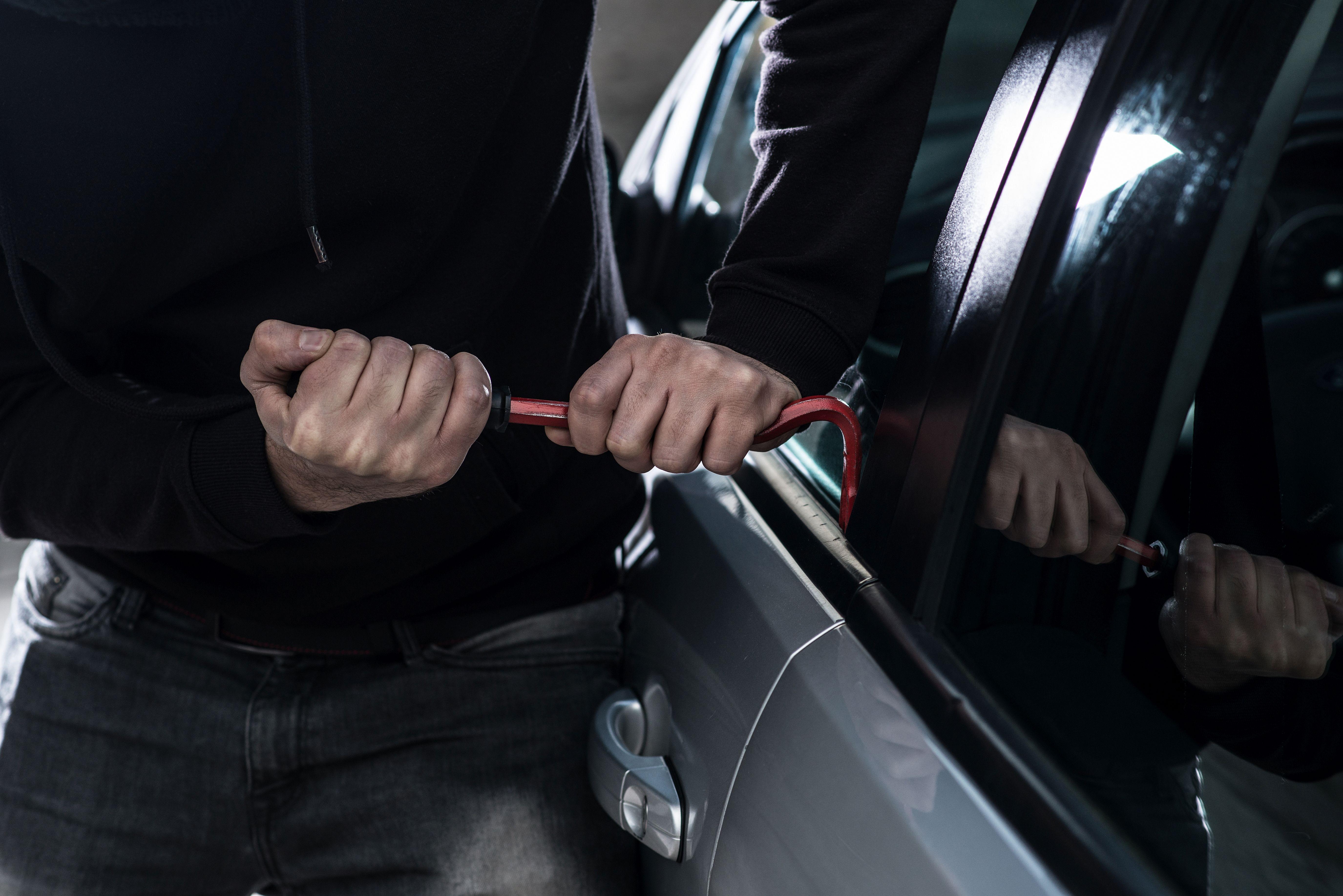 ¿No puedes abrir tu coche? Llámanos