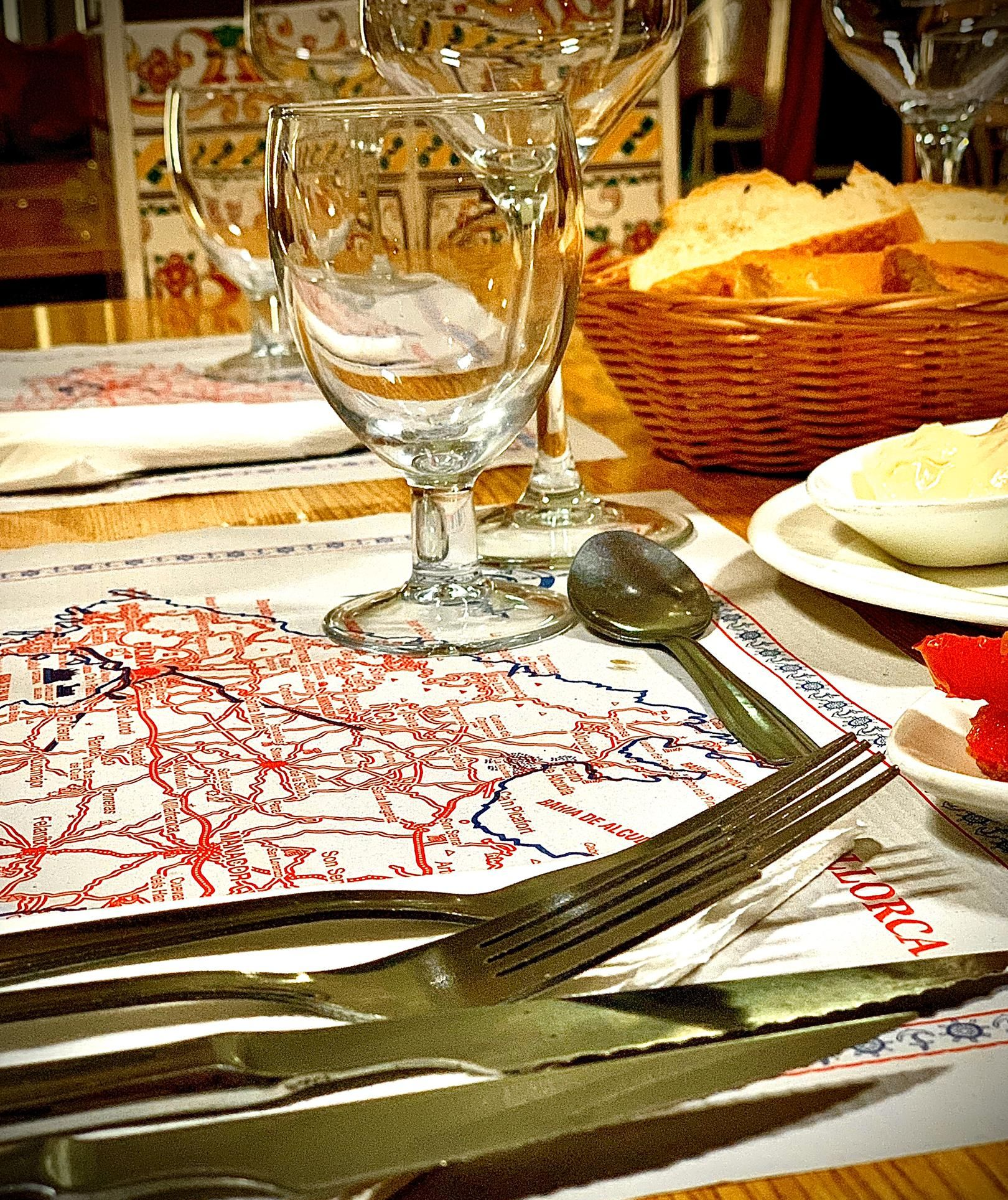 Menú diario, bocadillos, carta, aperitivos...