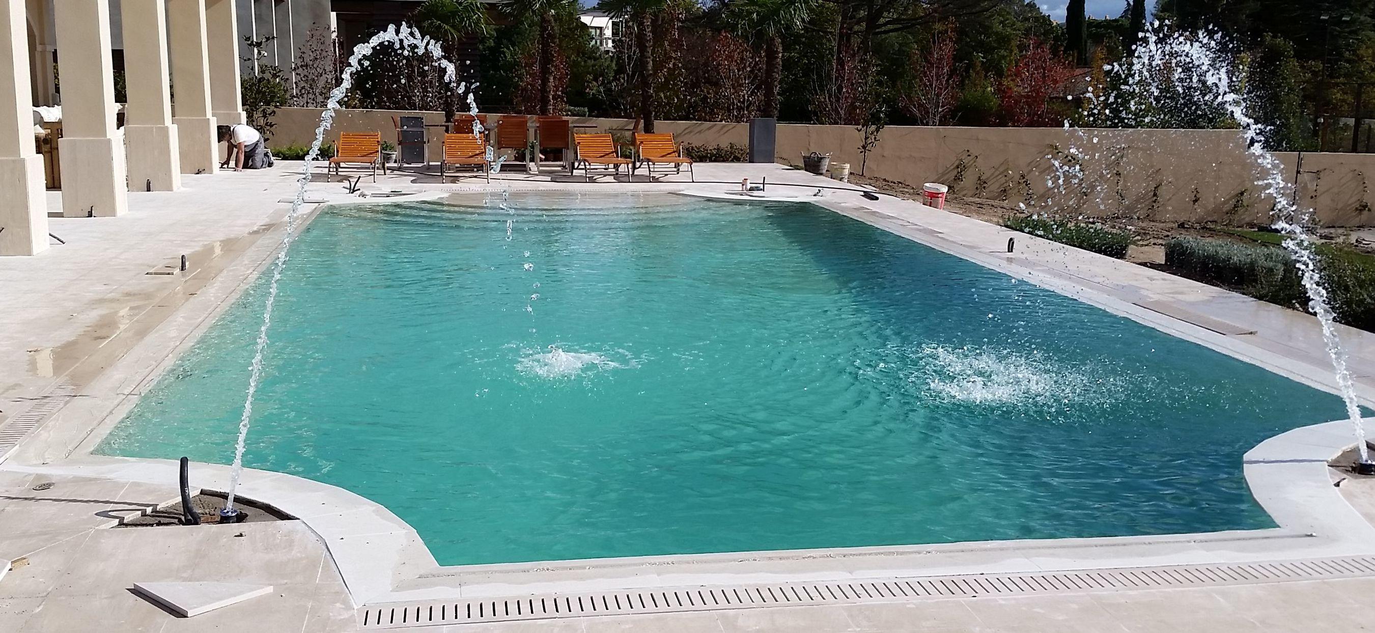 Construcci n de piscinas desbordante for Construcion de piscinas