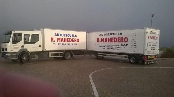 Permisos de camión con remolque CE en Jaén