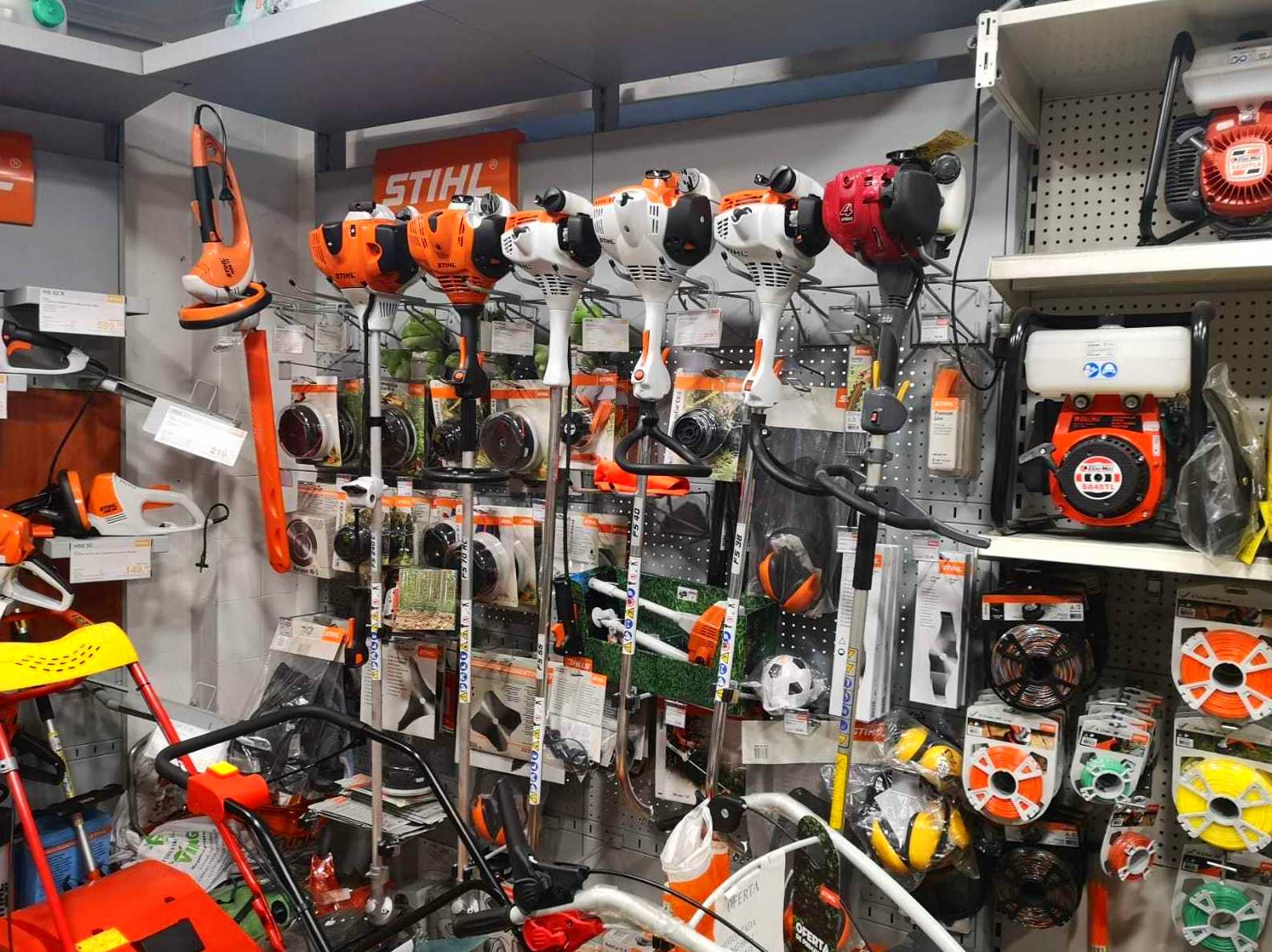 Foto 4 de Máquinas y herramientas de jardinería en  | Forestal Agrícola