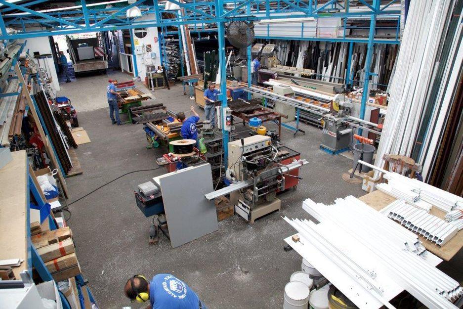 Foto 2 de Carpintería de aluminio, metálica y PVC en Las Mercedes | ALUMINIOS CARPAL