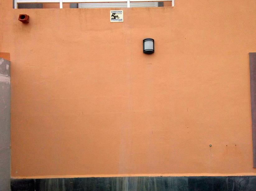 Apertura en fachada de puertas en Tenerife