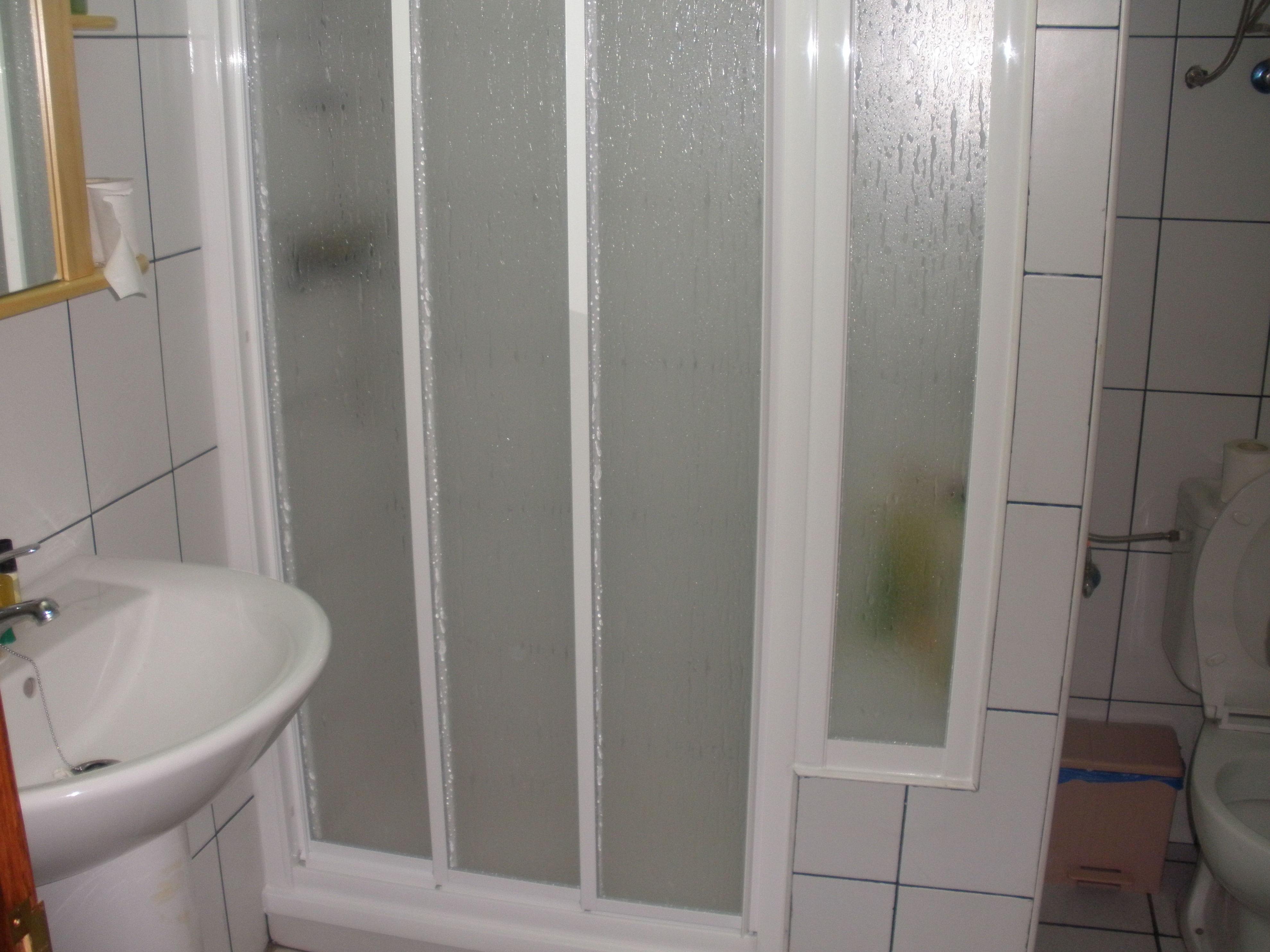 Mampara de baño blanca