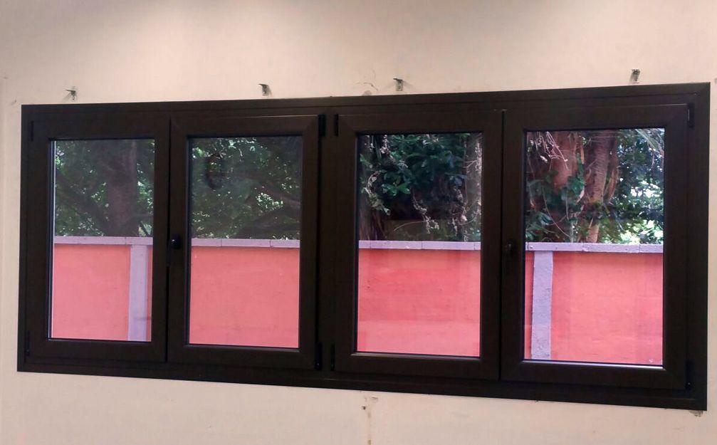 Cambio de ventanas en San Cristóbal de la Laguna