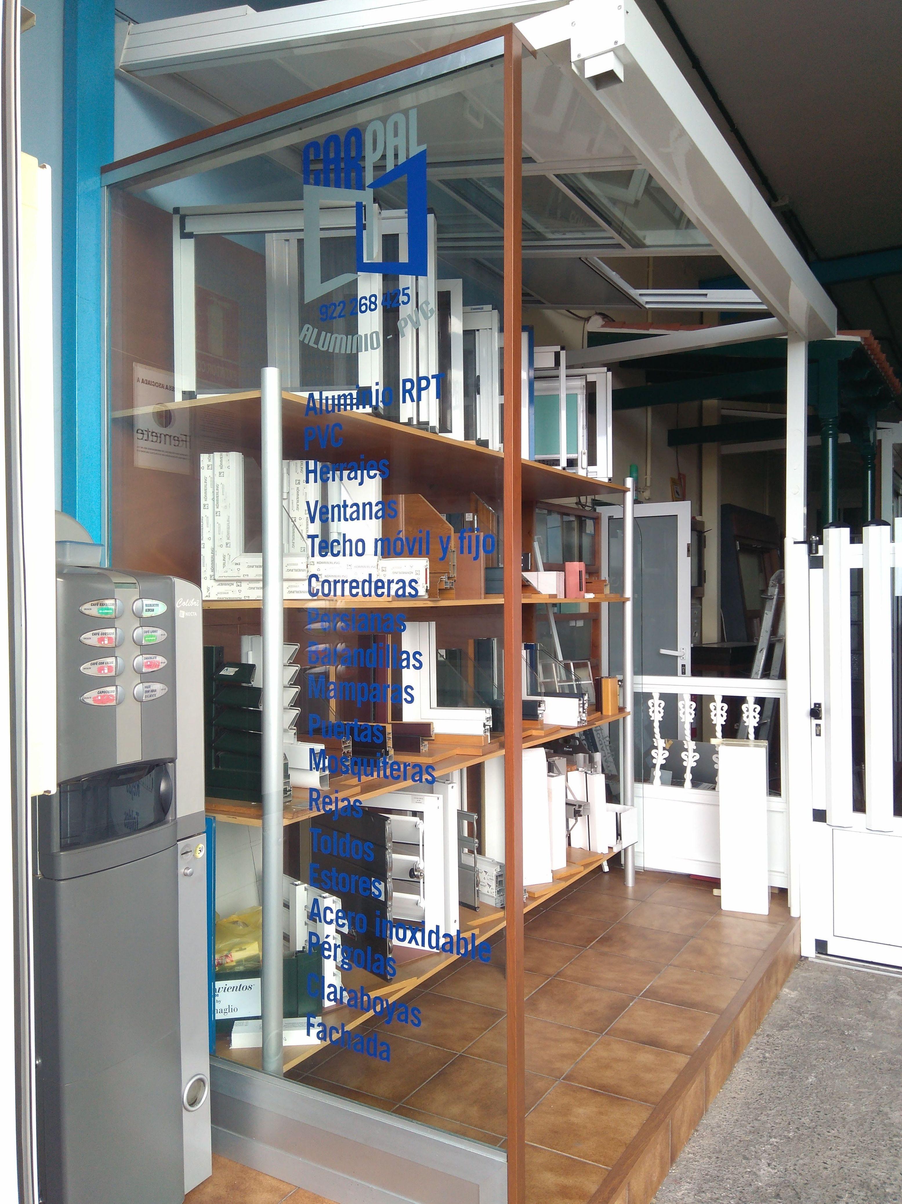 Foto 22 de Carpintería de aluminio, metálica y PVC en Las Mercedes | ALUMINIOS CARPAL