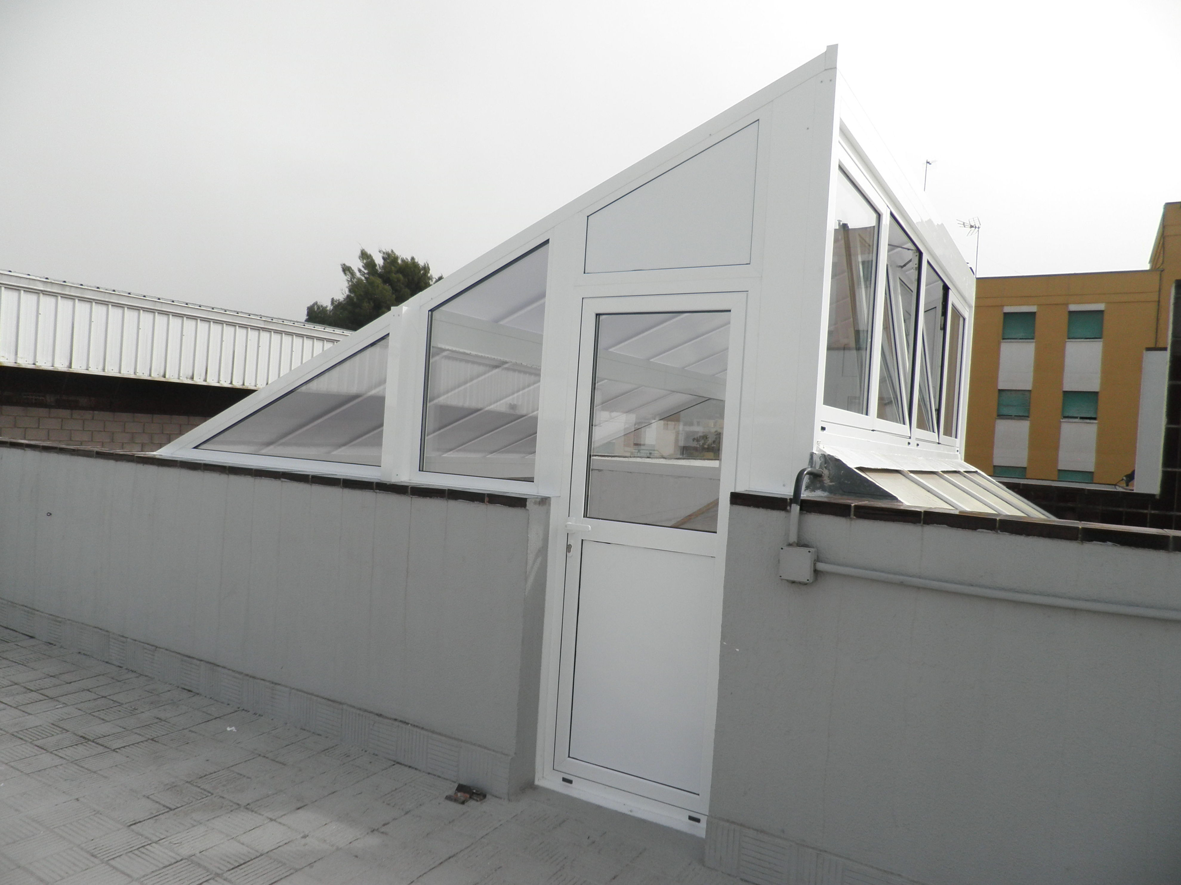Instalación de techos de aluminio