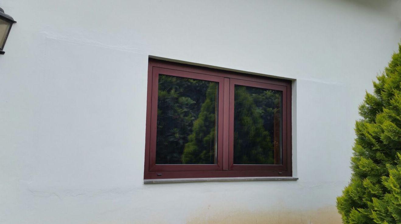 Ventana de aluminio imitación a madera