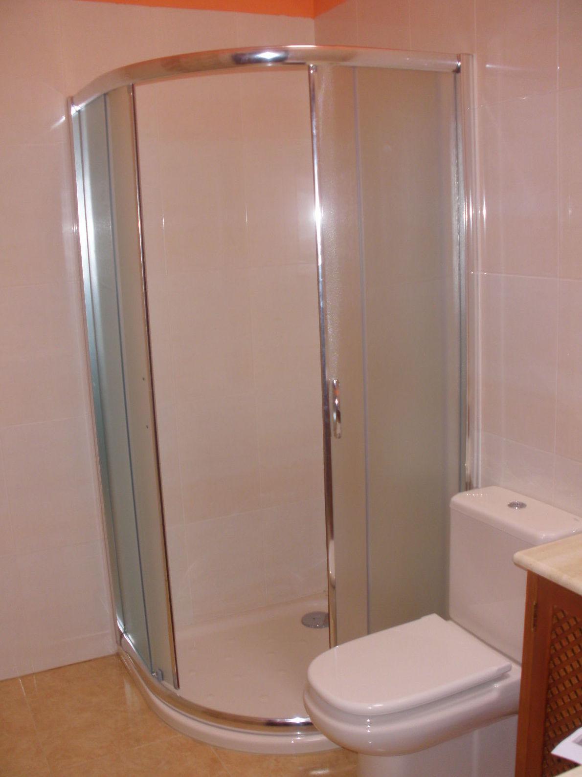 Mampara de baño de aluminio