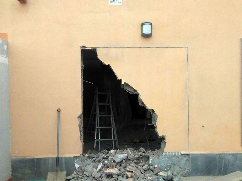 Apertura de puerta en pared