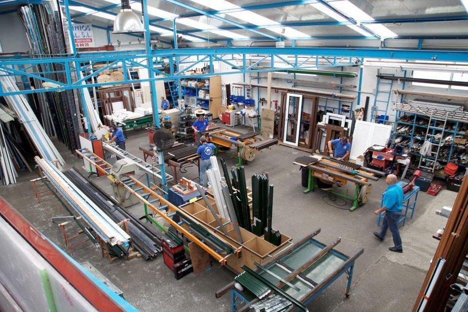 Foto 17 de Carpintería de aluminio, metálica y PVC en Las Mercedes | ALUMINIOS CARPAL