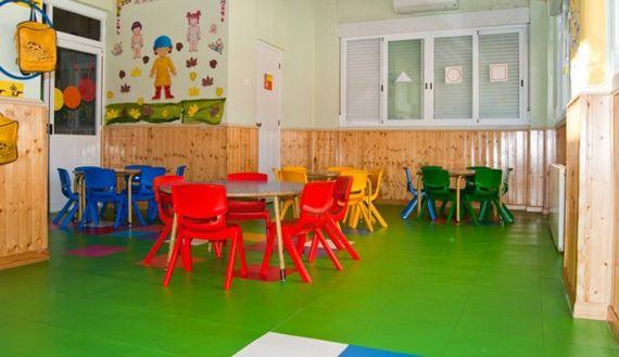 Foto 10 de Guarderías y Escuelas infantiles en Madrid | La Casita de los Pitufos