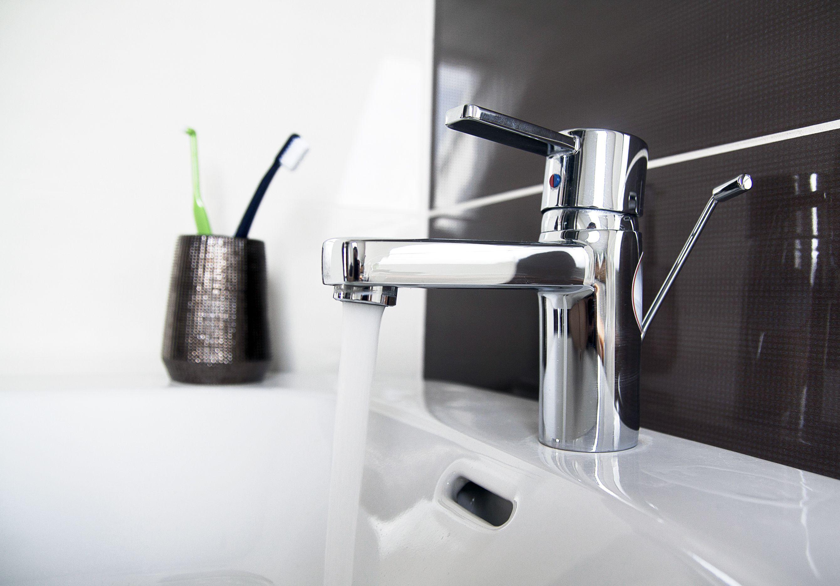 Grifería y sanitarios para baños en Peñafiel