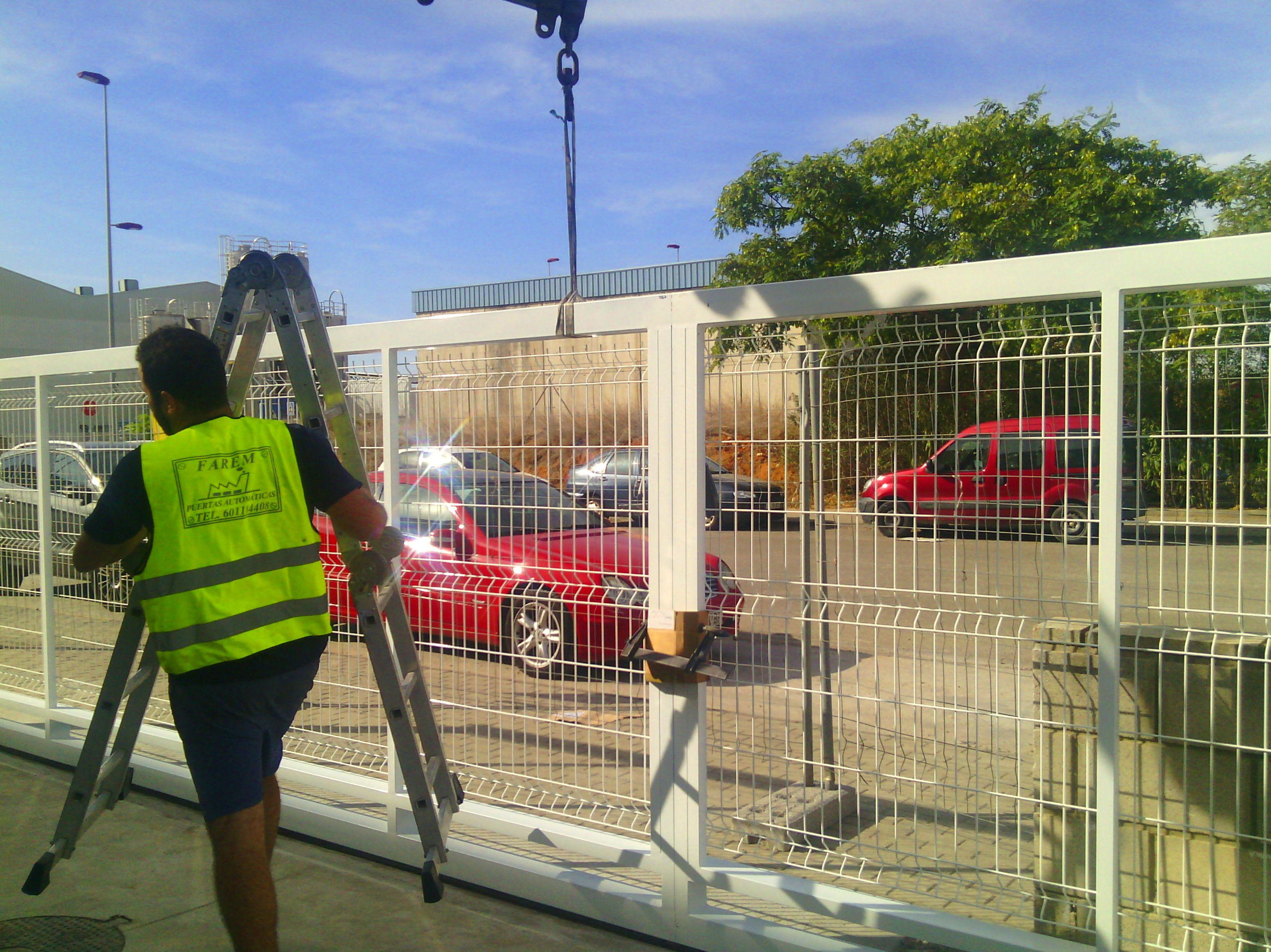 Puerta corredera automática de mallado de 10 metros industrial