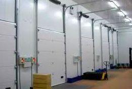 Puertas seccionales industriales con dintel alto