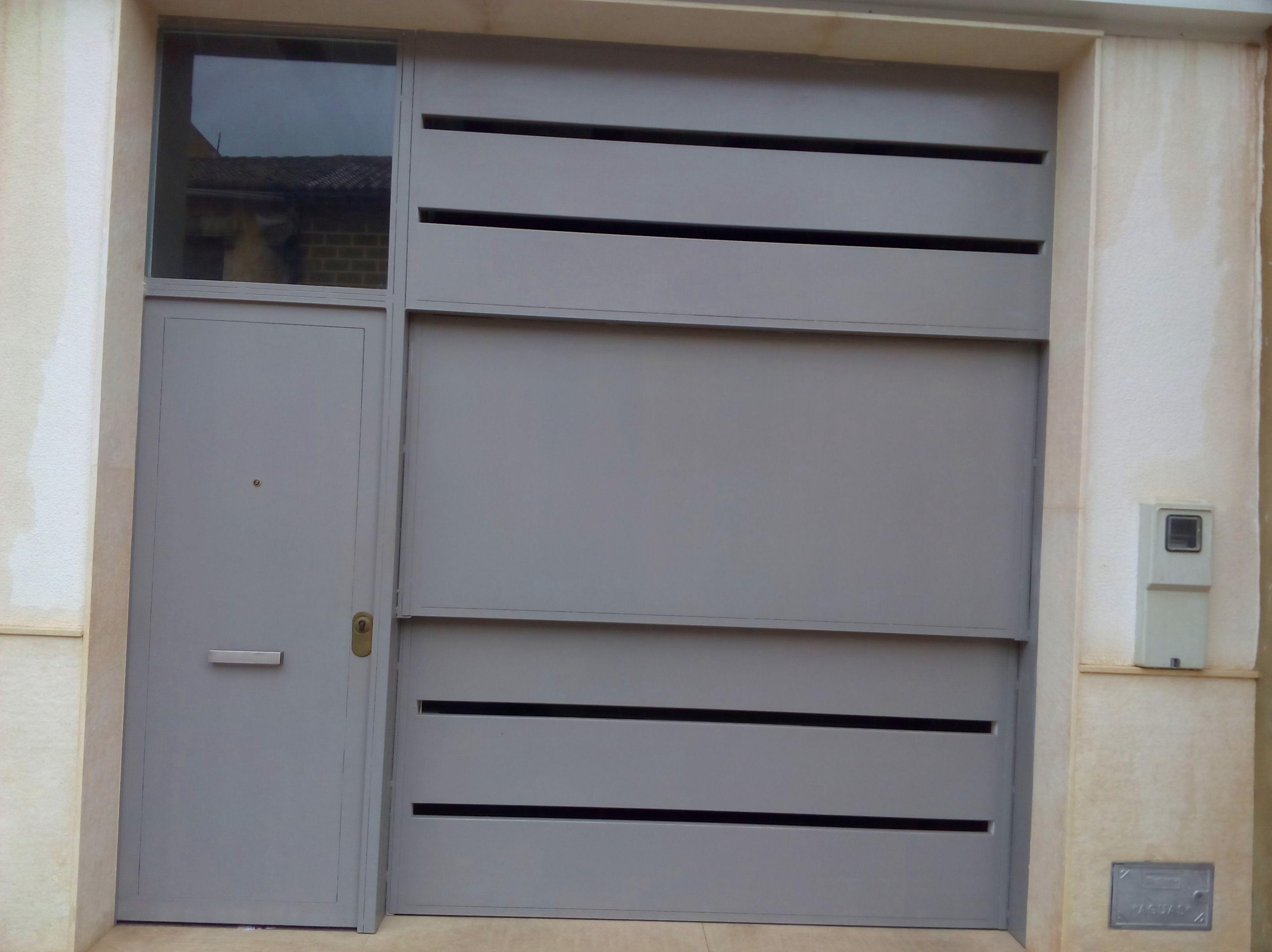 Puerta de guillotina residencial DISEÑO
