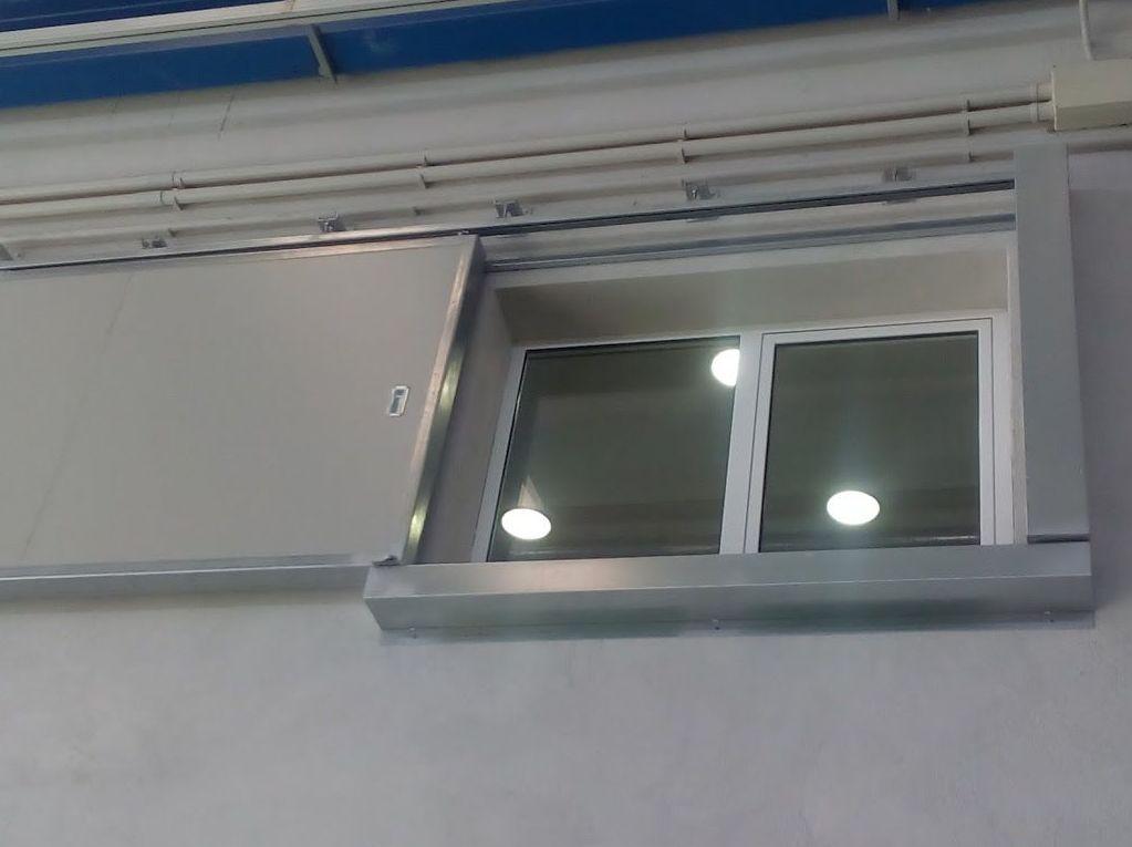 Puerta cortafuegos corredera para ventanas 120 minutos al fuego certificada
