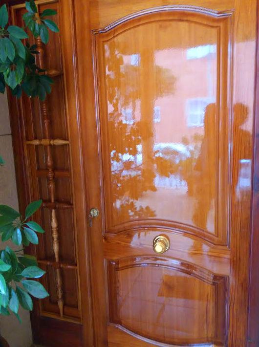 Puerta de madera mobila