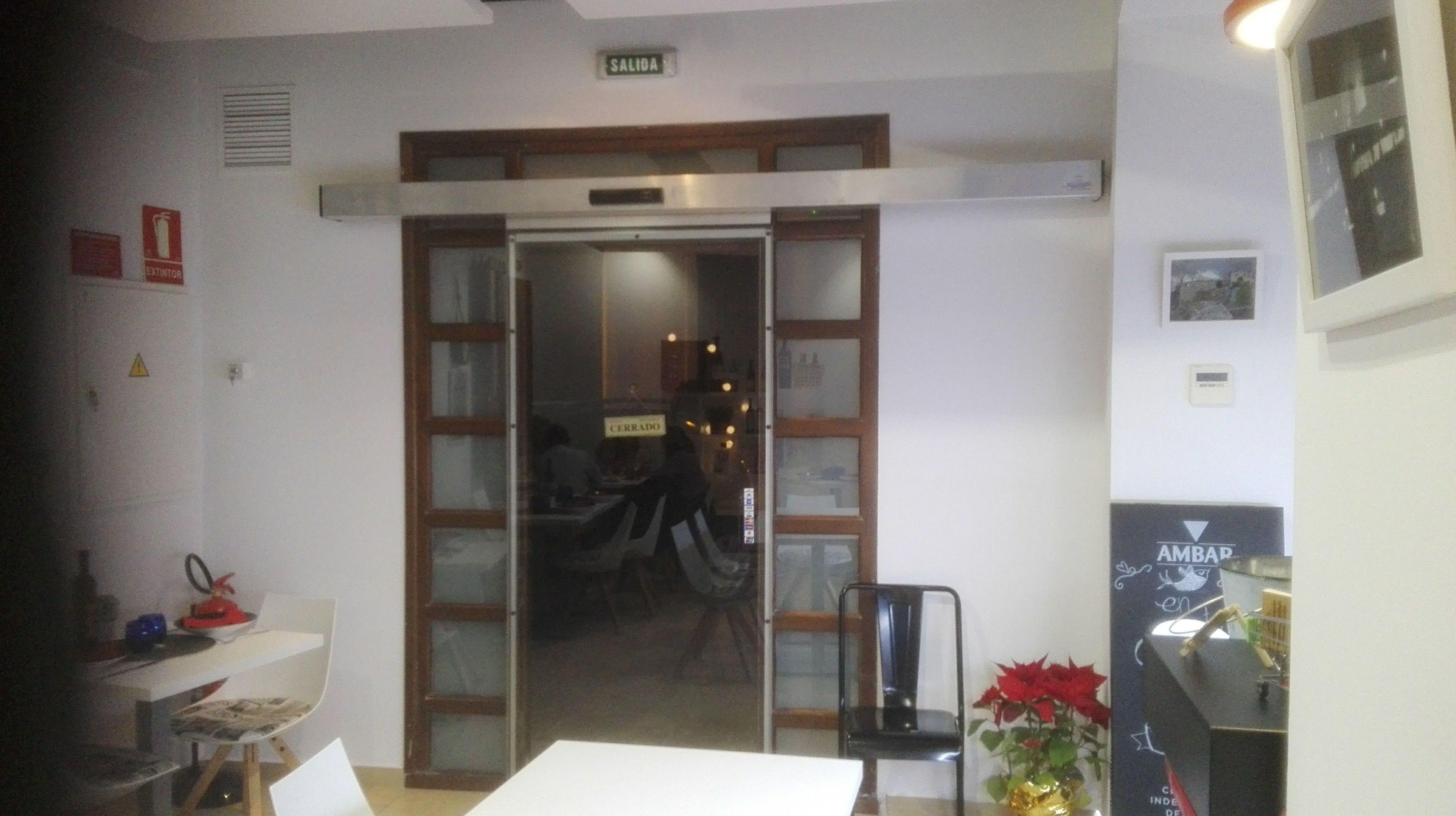 Puertas Correderas Madera Y Cristal Interesting Awesome Negro  ~ Puerta Corredera Cristal Precio