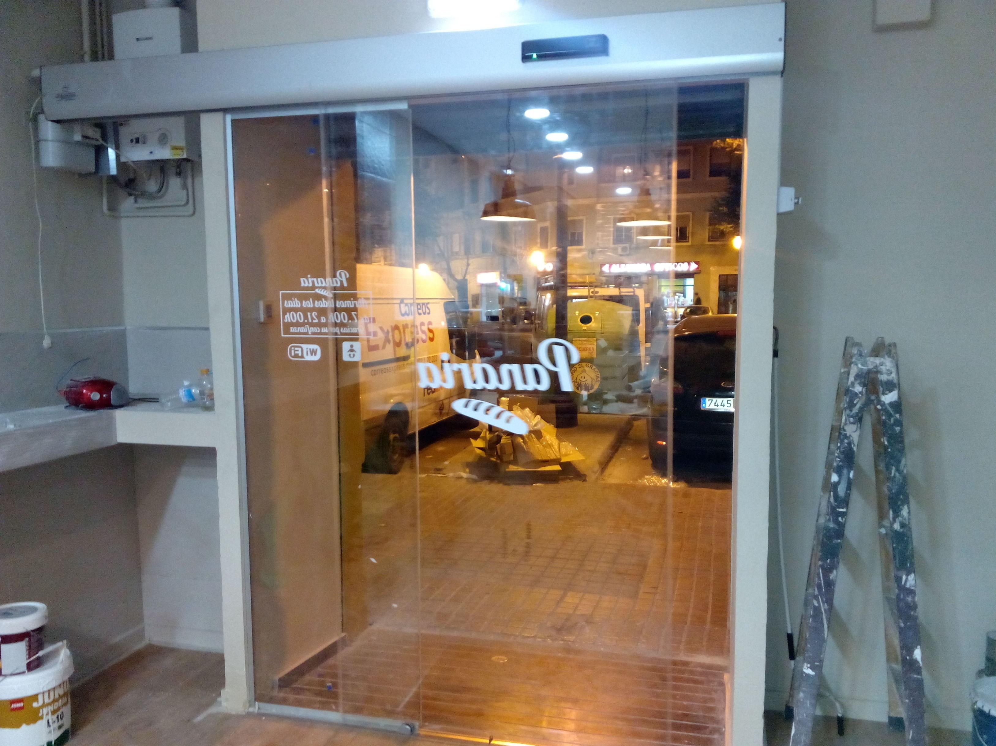 Puerta de cristal automática de 1 hoja corredera