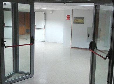 Puerta Batiente de cristal y Vidrio cortafuegos