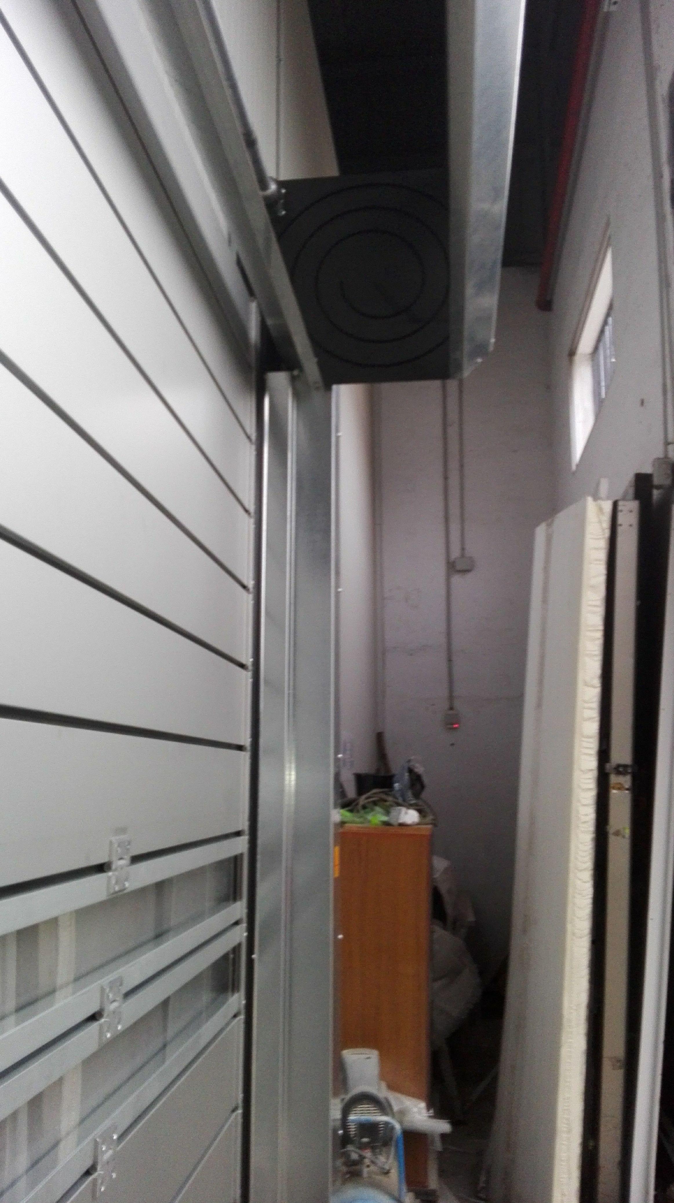 Puerta rápida enrollable espiral de paneles aislantes térmicos