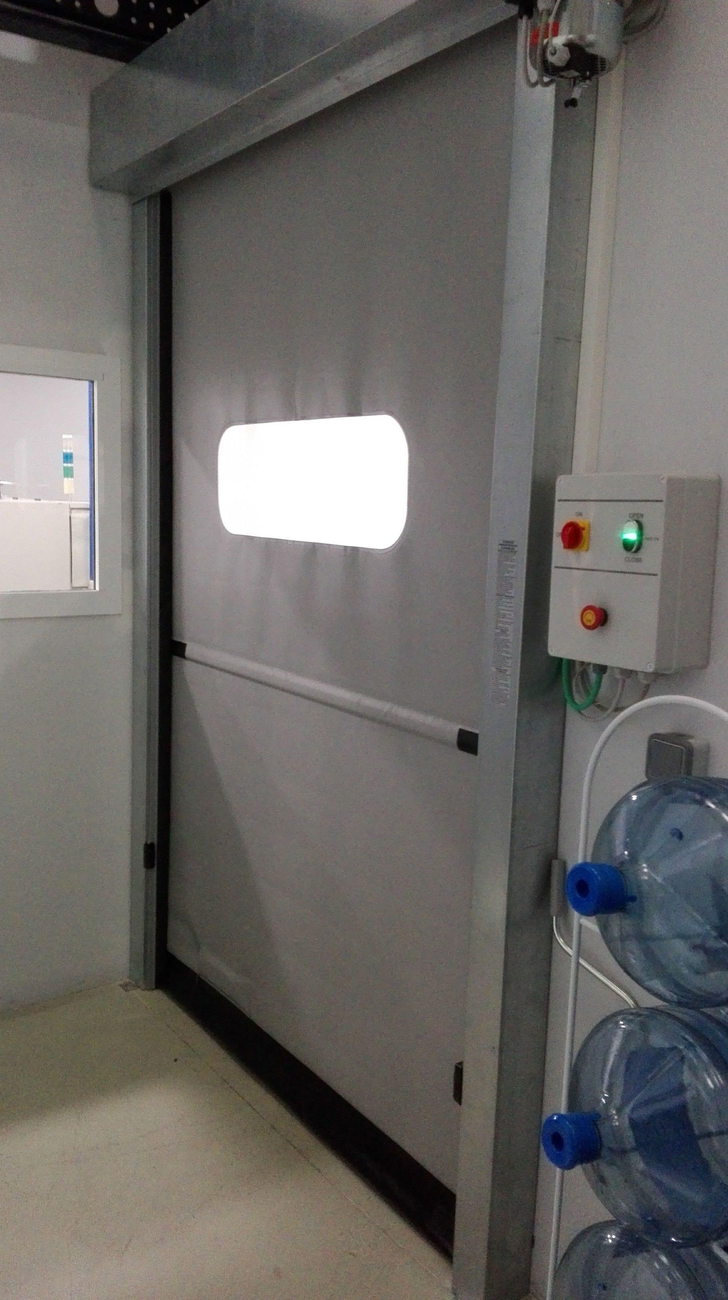 Puertas rápidas de pvc  enrollables salas blancas