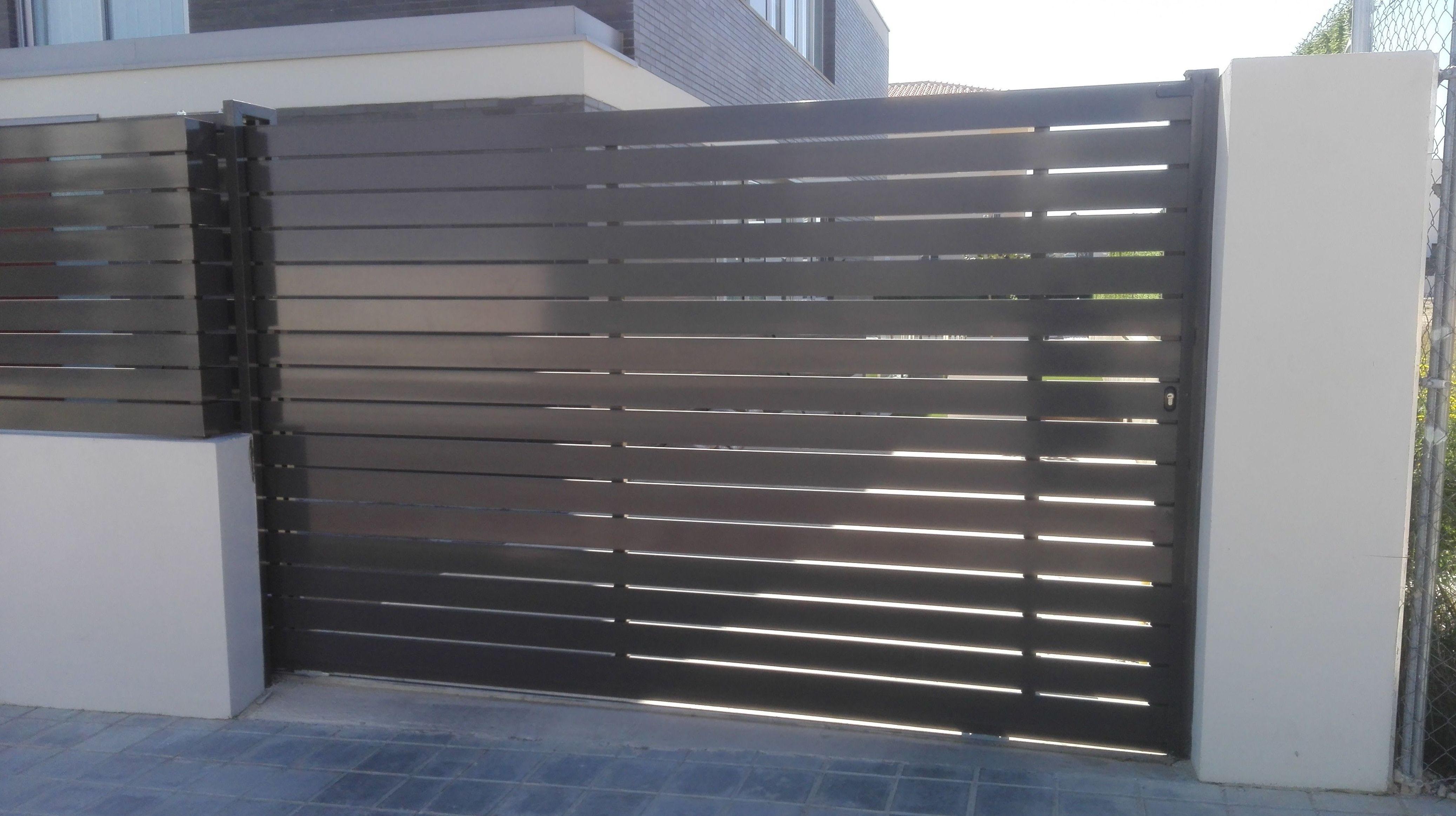 Puerta corredera de Aluminio gris FAREM AGMA